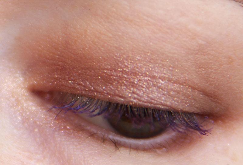 Макияжи: фиолетовая тушь и скучная база