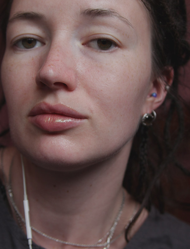Estee Lauder Pure Color Love Magic Opal Liquid Lip 601 Poison Crush