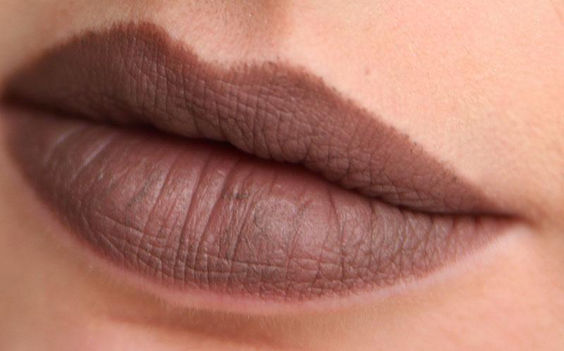 Макияж с секретом + коричневые губы