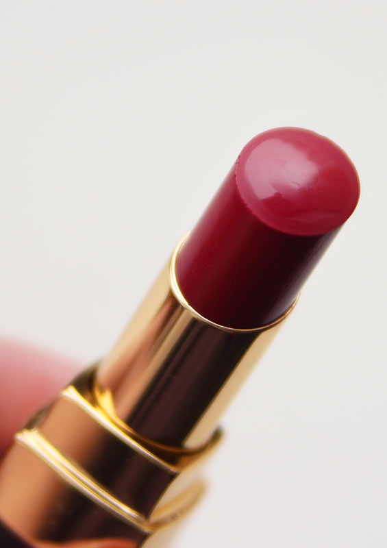 Chanel Rouge Coco Shine 144 Rouge Irresistible
