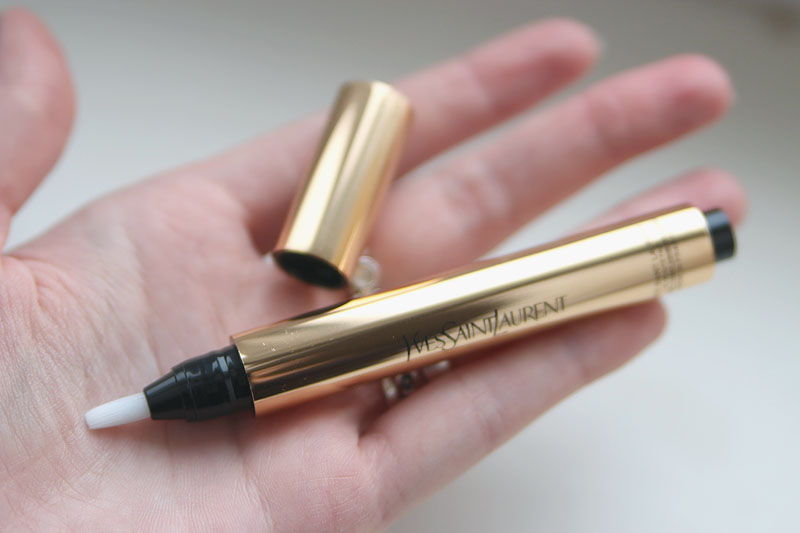 YSL Touche Eclat Radiant Touch 2 Ivoire Lumiere