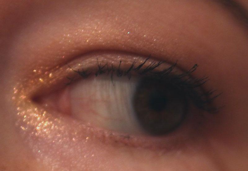 MAC Extra Dimension Eye Shadow Stylishly Merry из коллекции Snow Ball 2017